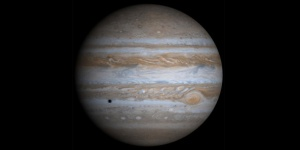 Mighty Jupiter reigns supreme in the sky during the month of January 2014