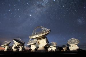 Atacama Large Millimeter/Submillimeter Array (ALMA) to